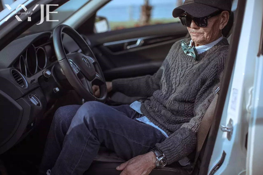 grandson-transforms-grandfather-fashion-trip-xiaoyejiexi-photography-16