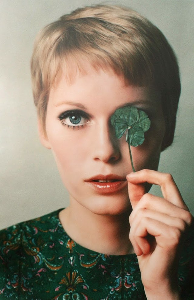 30 Beautiful Portraits of Mia Farrow in the 1960s - Art-Sheep | 640 x 989 jpeg 78kB